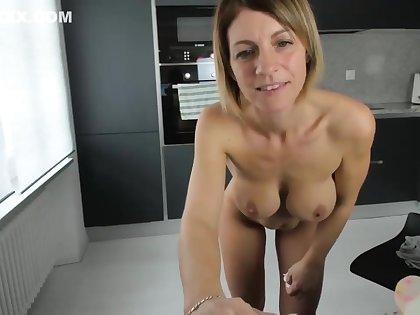 Sexy milf 19