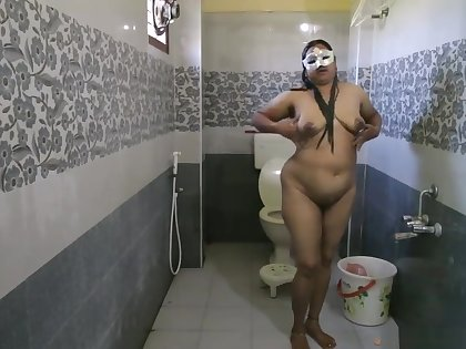 Big Boob Indian Bhabhi Dipinnita Taking Shower