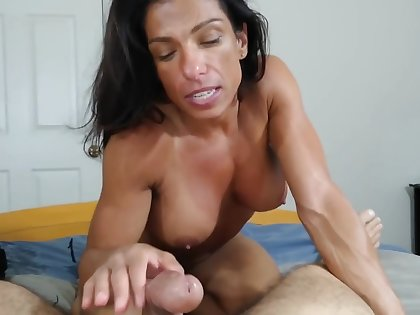 fit muscle mom
