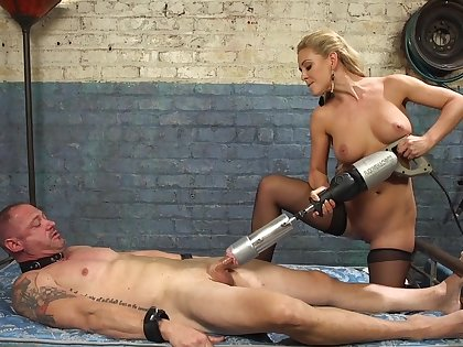 Cherie DeVille straps a dildo gag on him and uses his facet anent get off