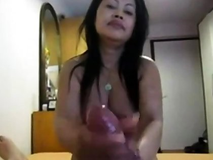 Amateur Asian gives nice pov hj to fat cock