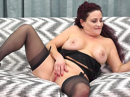 All Amanda Ryder wanted to do was to fuck herself with a black dildo