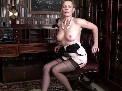 Amateur video of provocative grown-up Mrs Huntingdon Smythe. HD
