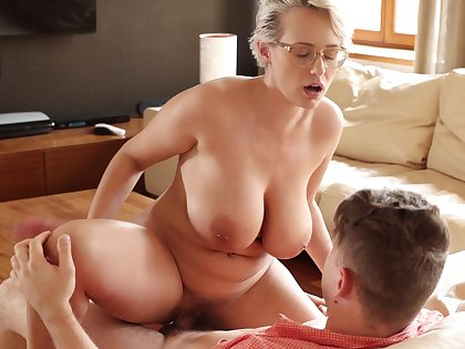 Seductive thick European MILF Angel Wicky enjoying some mind blowing sex
