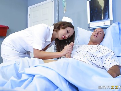 Nurse bends be expeditious for patient's huge dong after feeling it in her hands