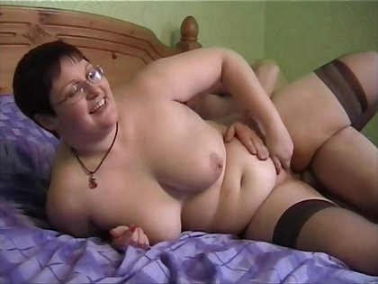 Chubby amateur vide Bernie spreads say no to legs to be fucked hard