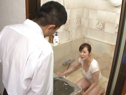Japanese adult fucked in the shower