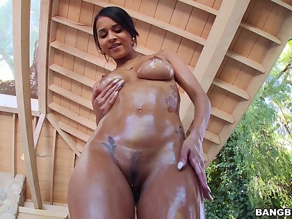 Oiled Latina MILF sure needs it eternal and abysm