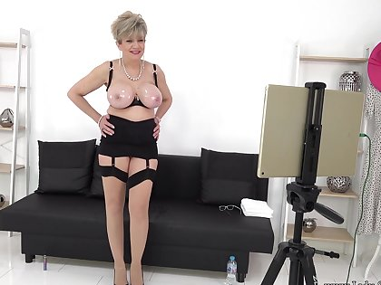 Live stream JOI relaxation nearly Lady Sonia