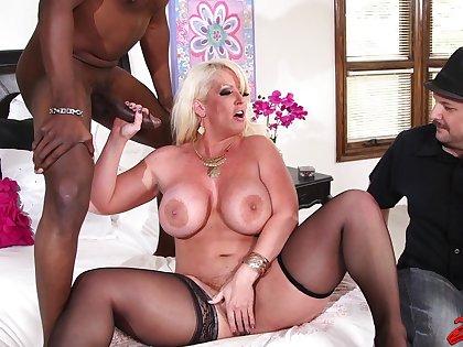 Big butt wife Alura Jenson yon stockings moans during hardcore sex
