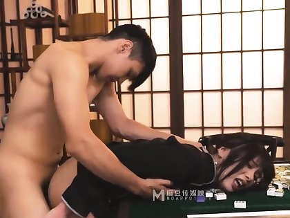 A working girl in a at arm's length mahjong ch�teau p1